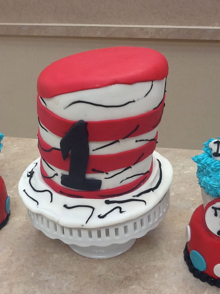 Dr Seuss Cat in The Hat Cake