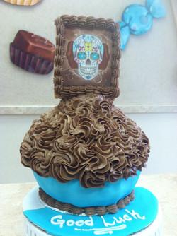 Good Luck King Size Cupcake