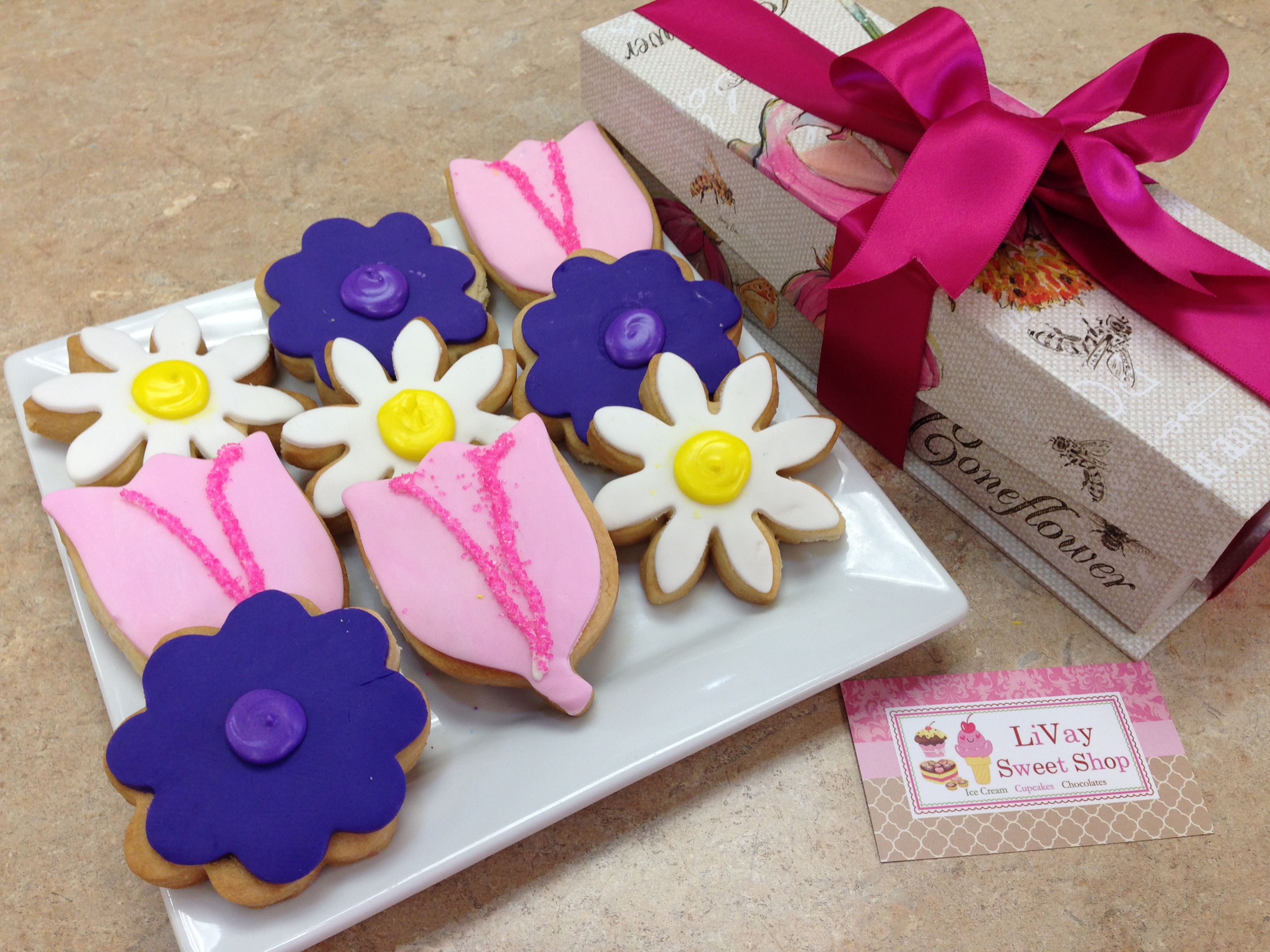 Sugar Flower Gift Box