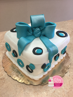 Polka Dot Fondant Cake