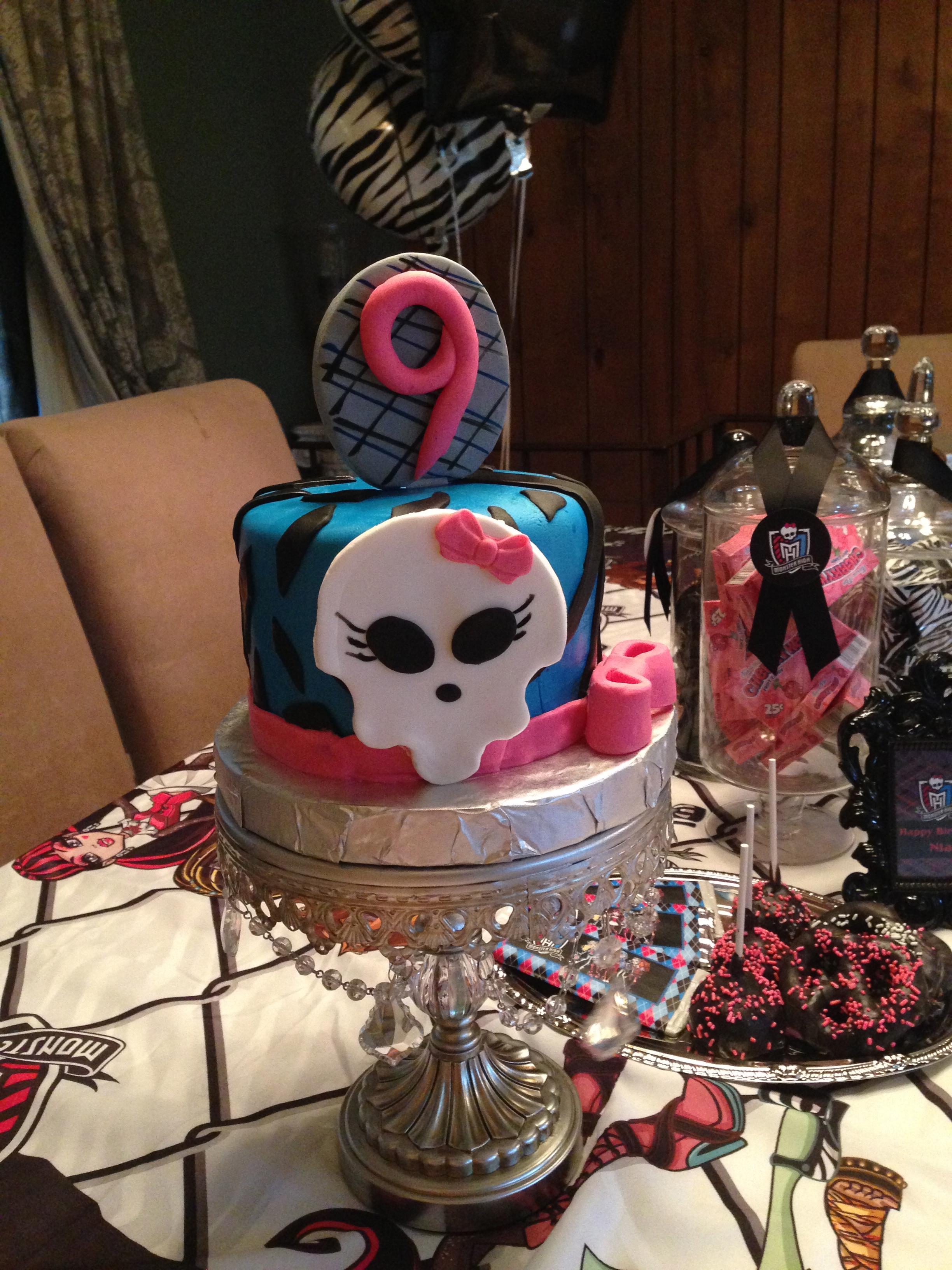 Girl Skull Cake