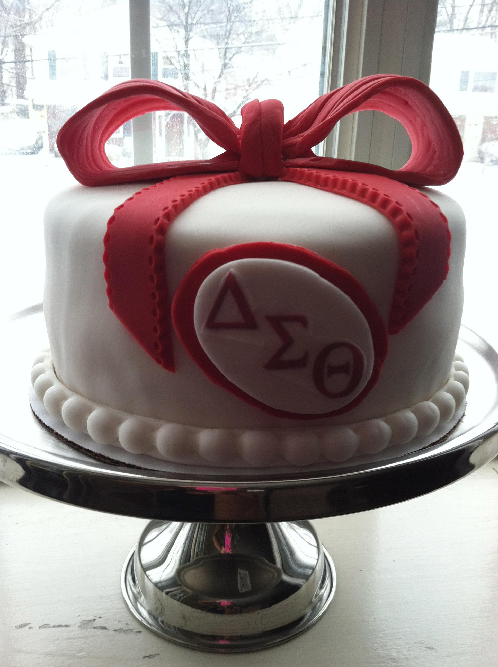 Delta Fondant Cake