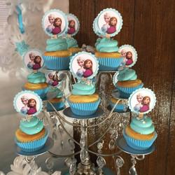 Frozen Cupake Table