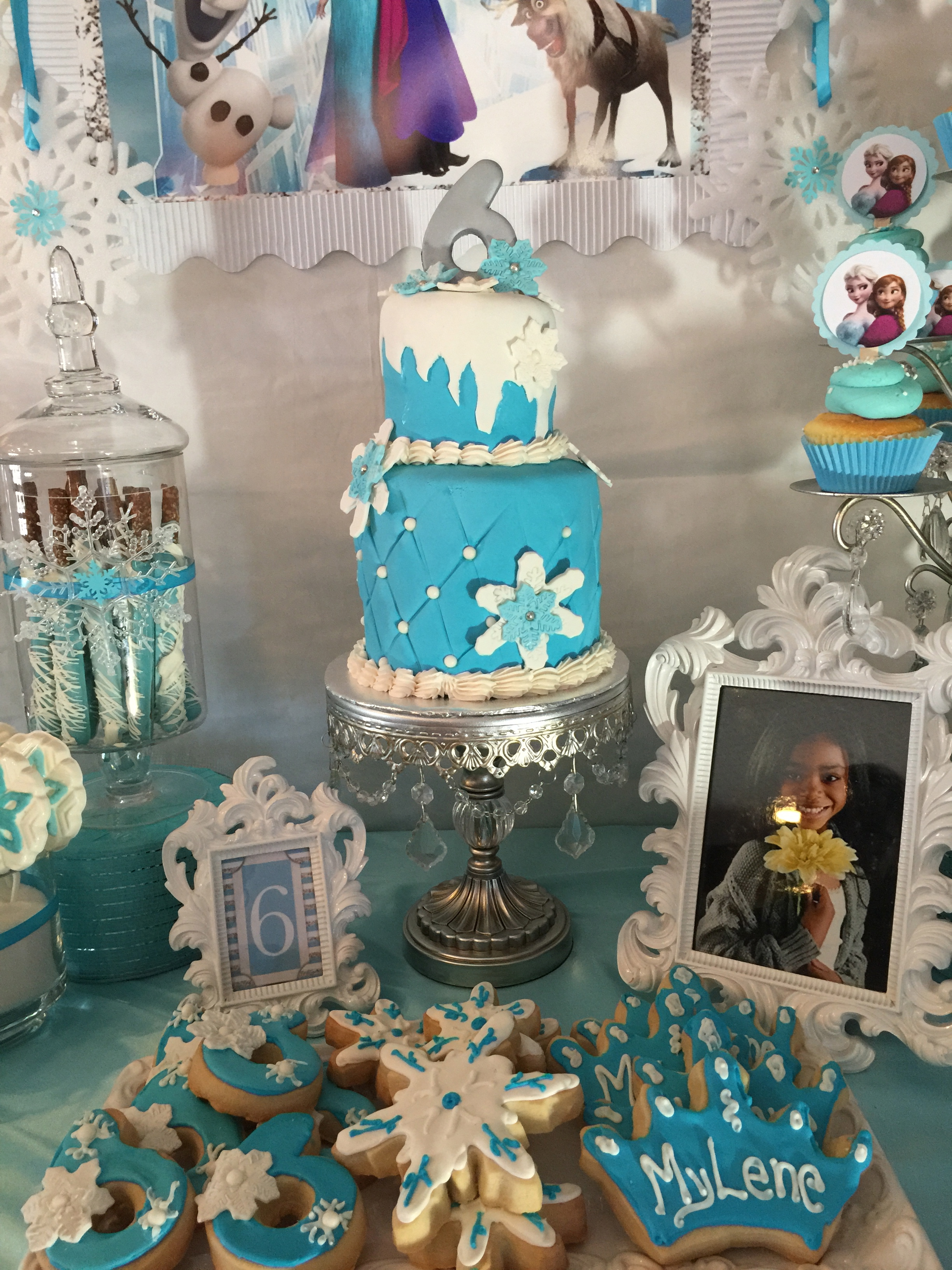 Frozen Cake Table