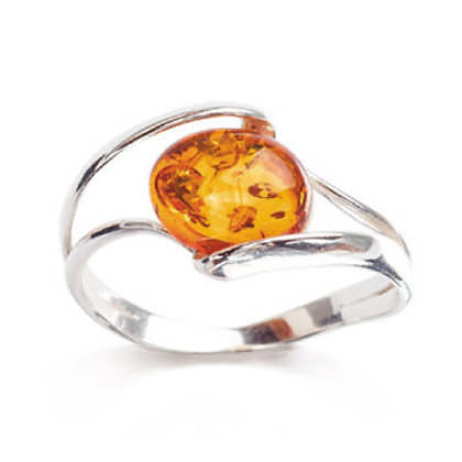 ELEGANT SILVER RING OVAL AMBER