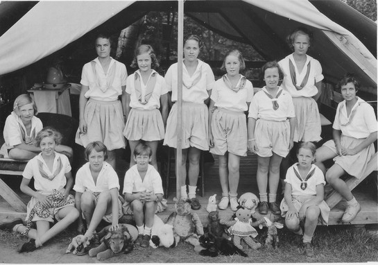 Tent-Group-1933.jpg