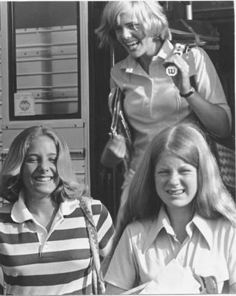Arriving-on-Bus-1975.jpg