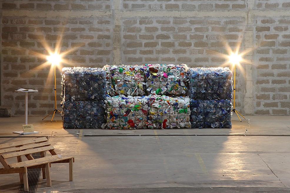 Bank aus Plastik - Bernadette Moser u. a.