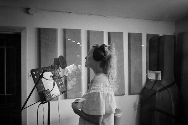 En studio avec Évelyne Brochu