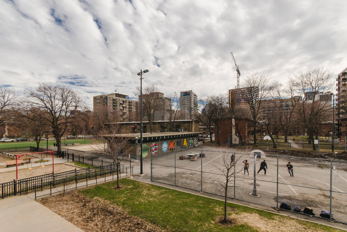 Les Habitations Jeanne-Mance et le Quartier des spectacles de Montréal