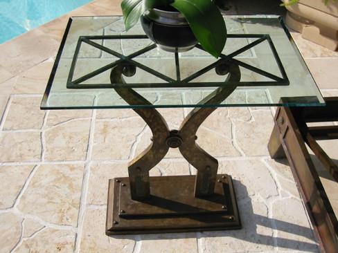 Aegeo lyre table