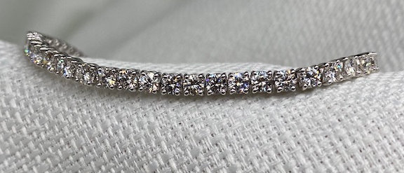 5.11 carat diamond bracelet
