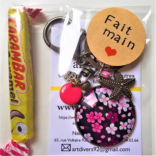 Porte clé - bijoux de sac XXL FLEURS DU JAPON Réf EC31