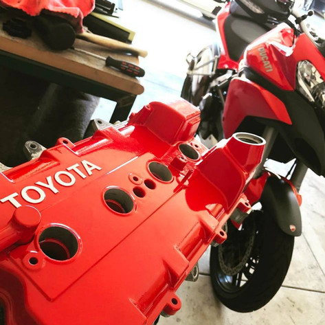 Powder coated red valve cover Toyota