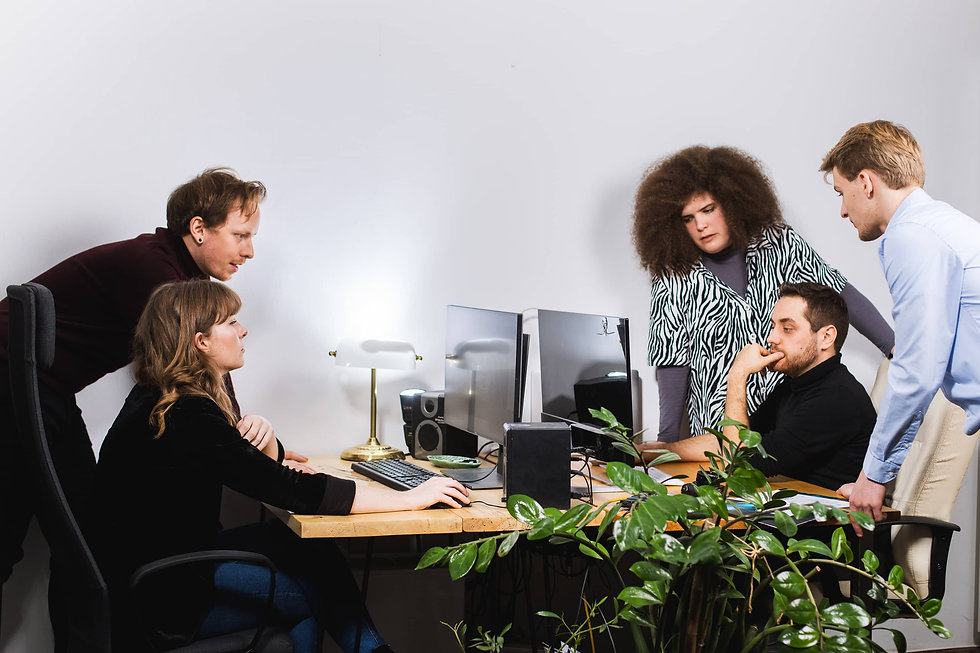 Zespół agencji marketingowej Rek House w Warszawiepracuje w biurze nad strategią marketingową, audytem, stroną internetową i filmem.