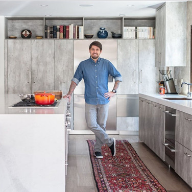Concrete Kitchen with Breakfash Bar