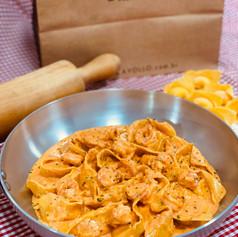 Tortelloni de camarão ao molho San Marino
