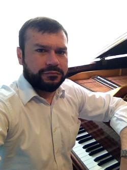 Christian Lizama