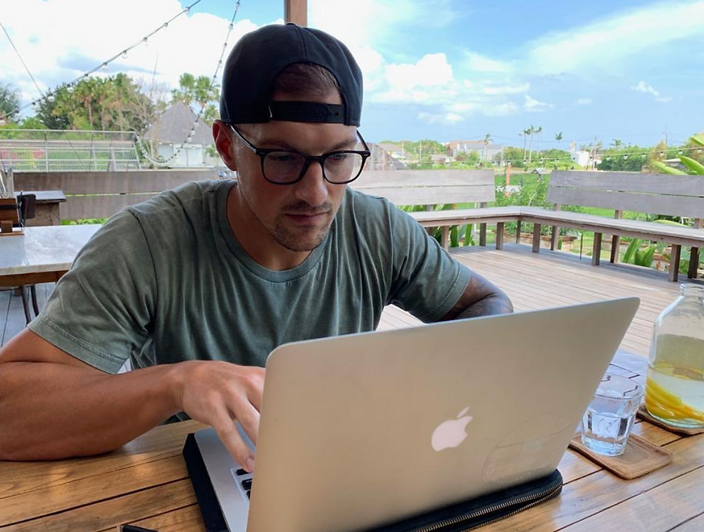 digital nomad in bali using time management to plan workouts