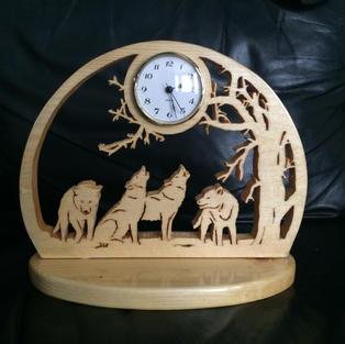 Wolves clock