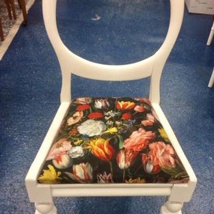 Bubble back chair