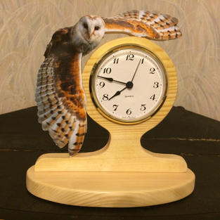 Barn owl clock