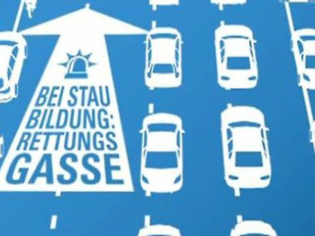 Ferienzeit => Reisezeit => Stauzeit => Rettungsgasse