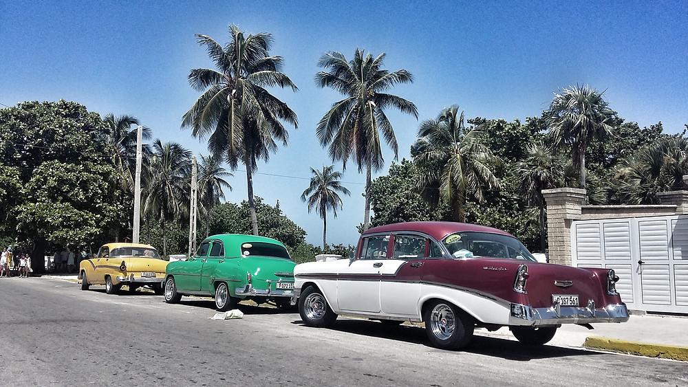 Classic Americana cars in Cuba.