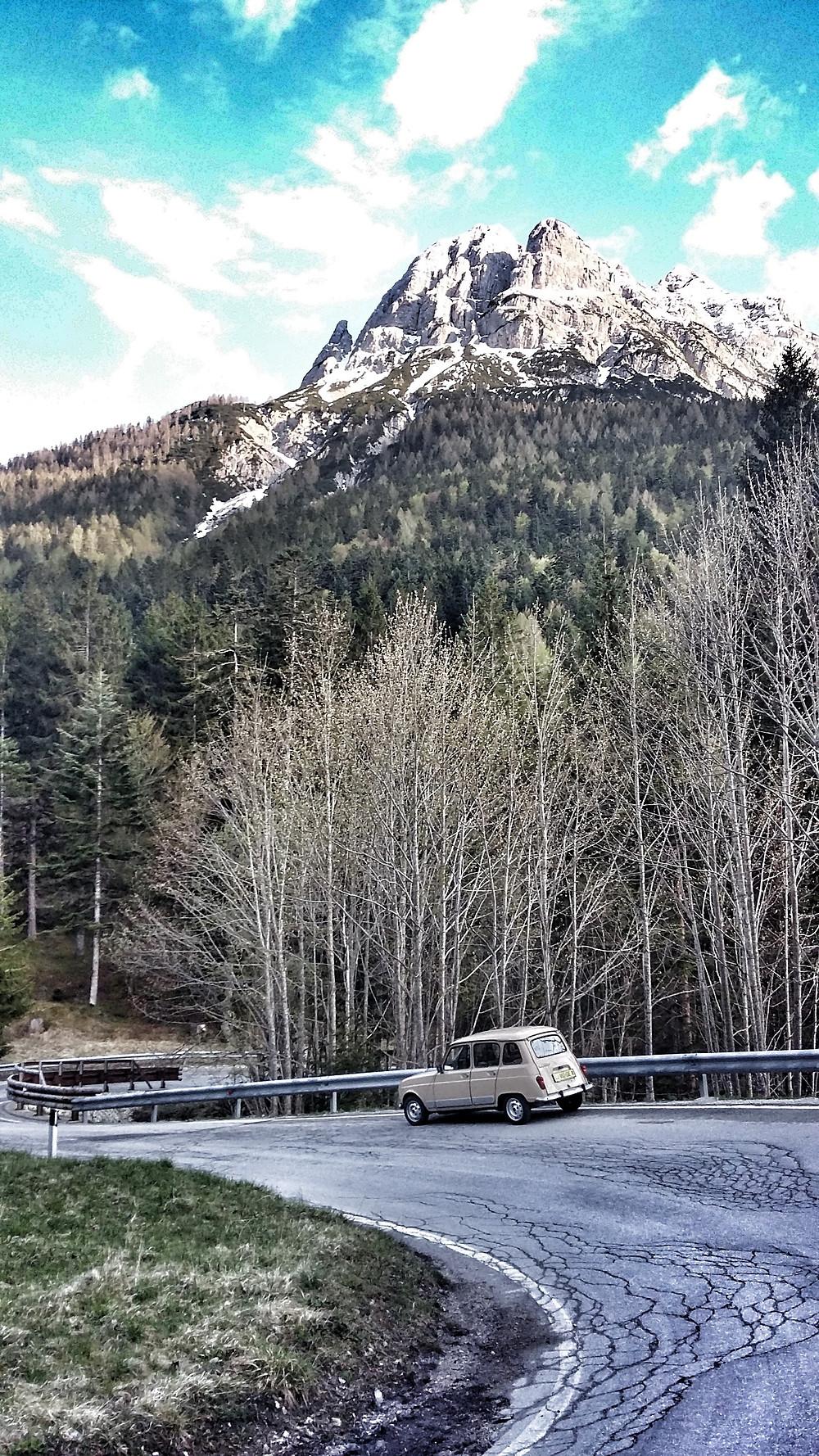Renault 4 road trip