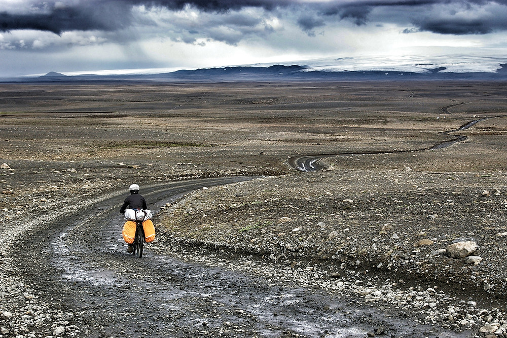 Cycle touring Iceland's F35 Kjolur route.