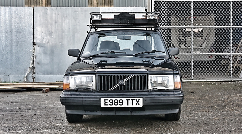 Volvo 240 GLT black UK