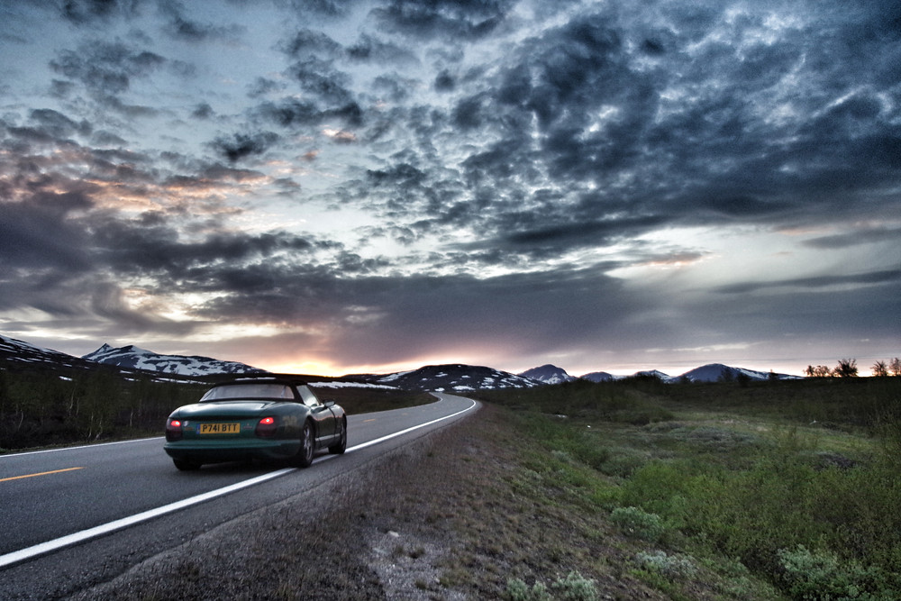 Driving to the Arctic Circle in a TVR Chimaera during Pub2Pub