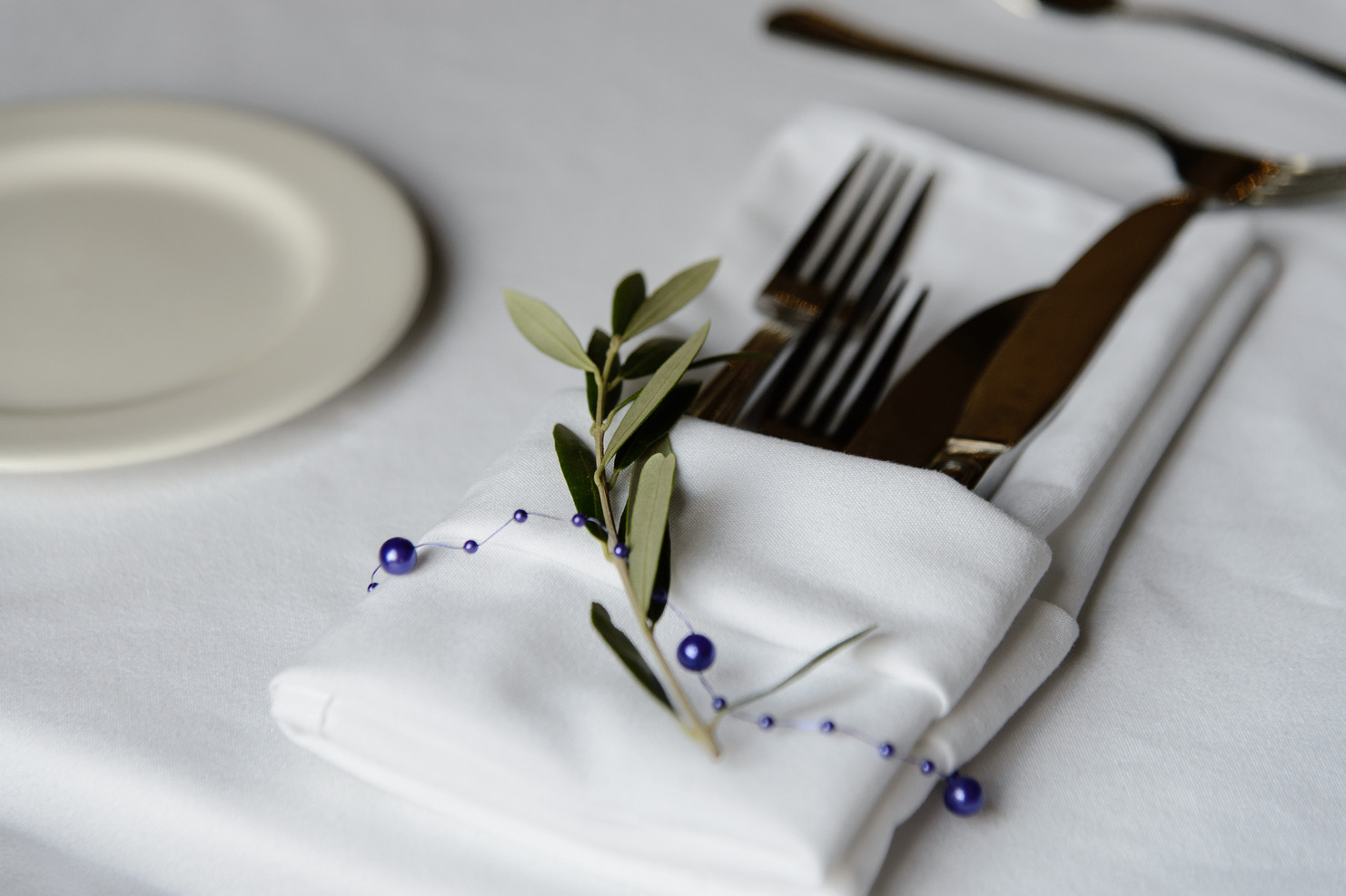 Place Setting Greens + Decor
