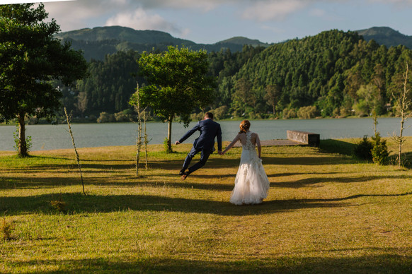 Allison + Steven   FLORALS + PLANNING + COORDINATION Destination Azores  PHOTO Vitor Gordo Photography  SITE Lagoa das Furnas @ Furnas   THEME Azorean Romance  COLOR SCHEME White, blush pink, green, navy blue accents