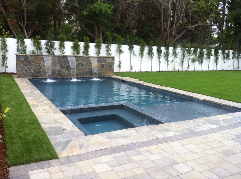 Raised wall and pool