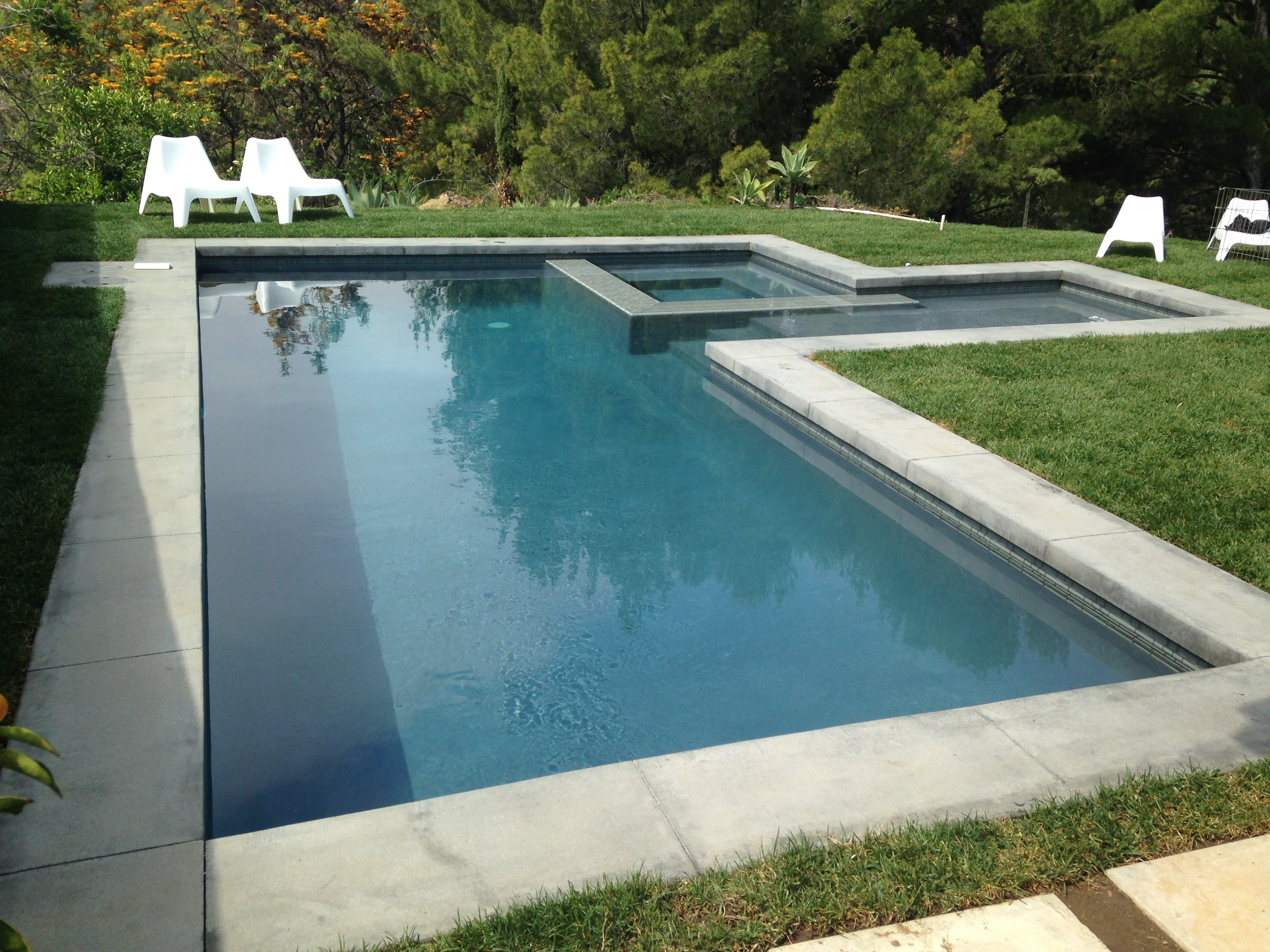 Spa and Pool with Modern Coping