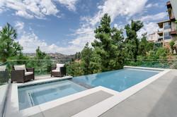 Infinity Pool & Spa in Mount Olympus