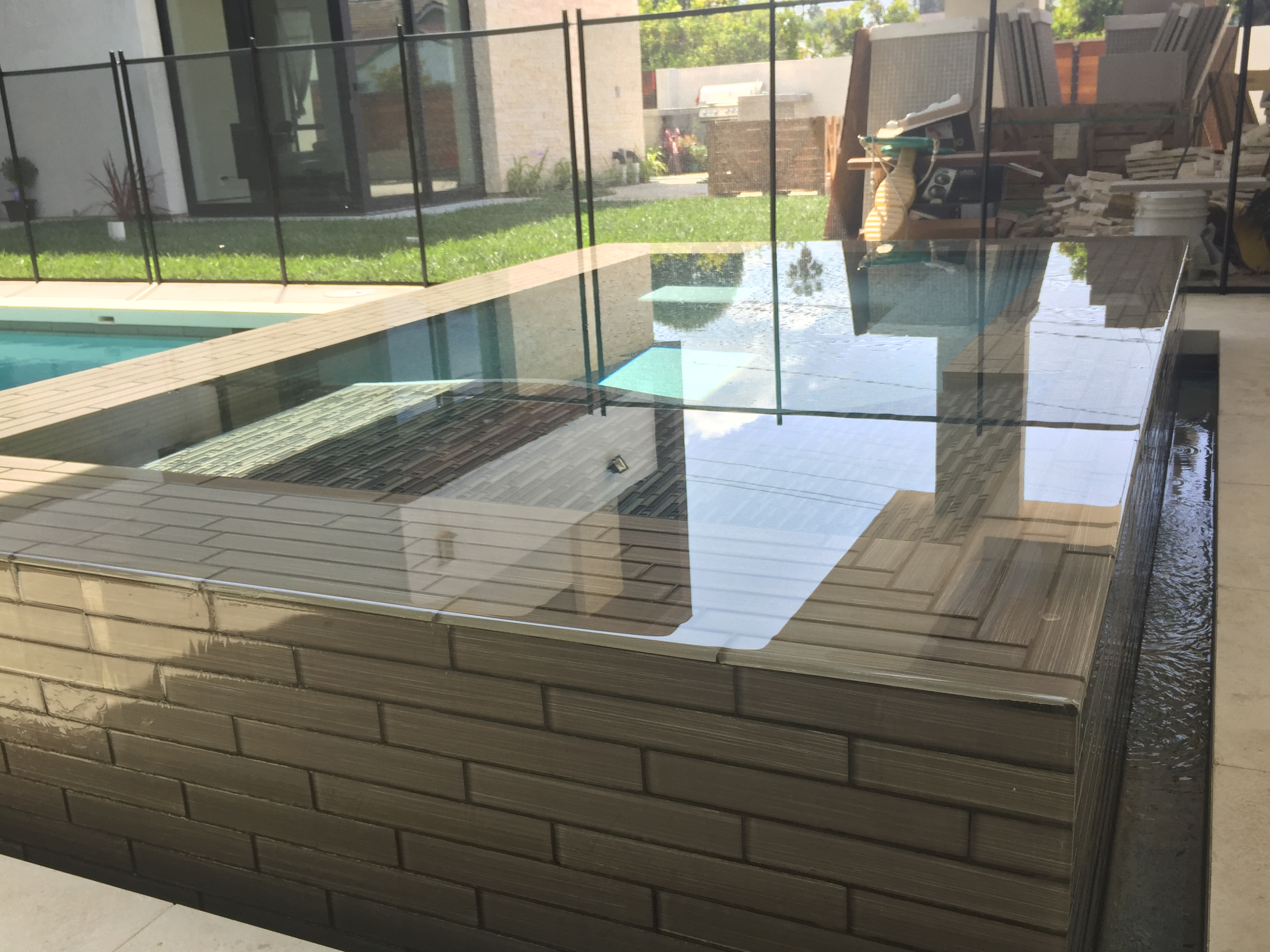 Modern Raised  & Tiles Spa