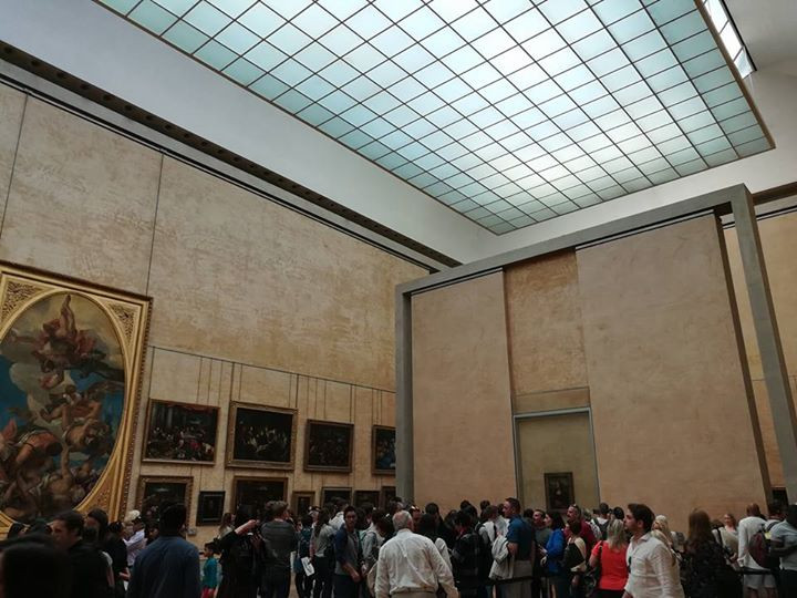 The crowd around the Mona Lisa