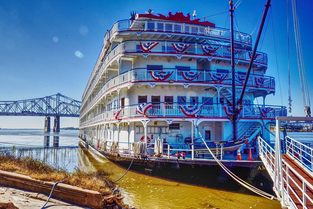 America, Natchez MS, Mississippi River