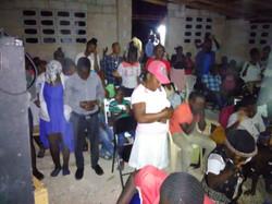 Iglesia Fond des Blancs almas recibiendo