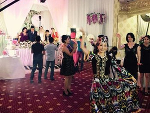 結婚式で踊りのプレゼント