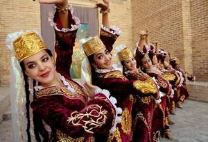 ウズベク人はダンスが好き