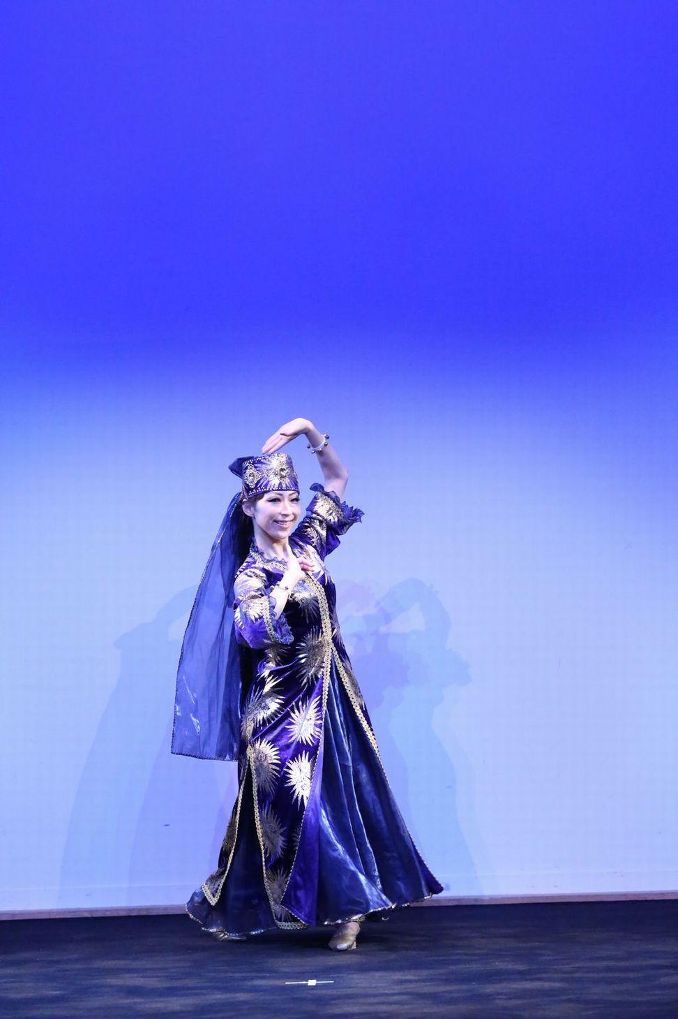 マブリギ2 ウズベキスタンダンス.JPG