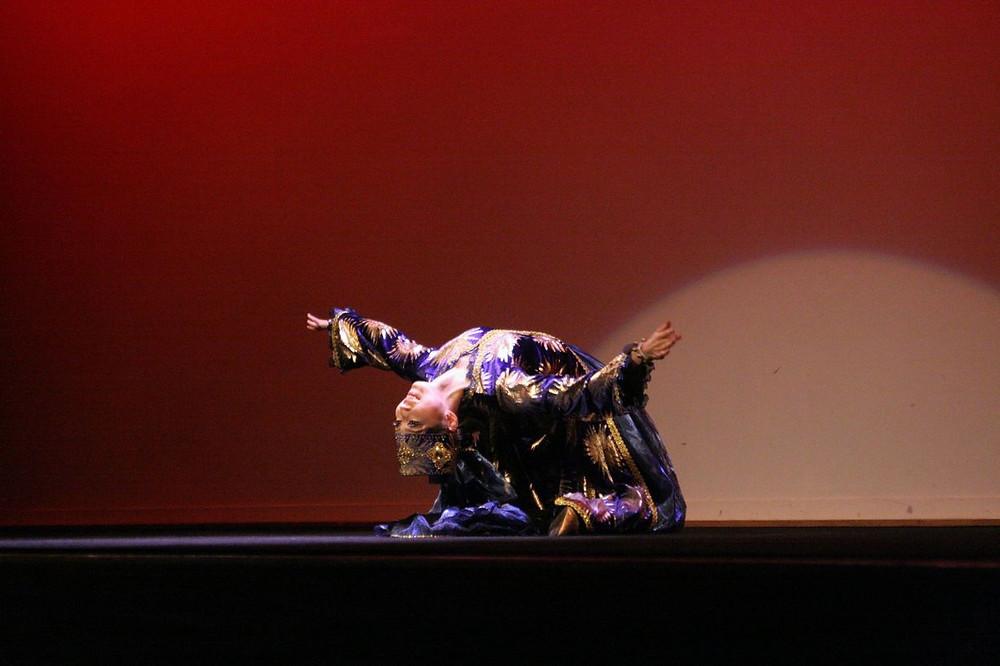 マブリギ8 ウズベキスタンダンス.JPG