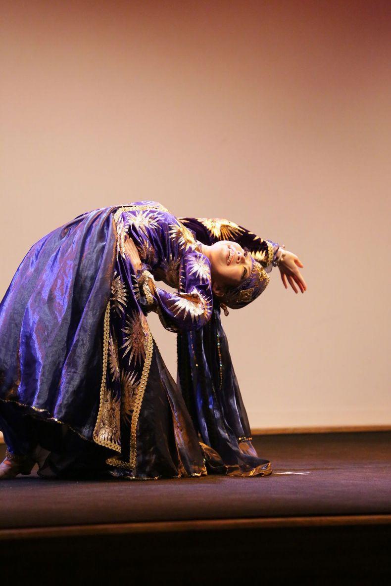 マブリギ6 ウズベキスタンダンス.JPG