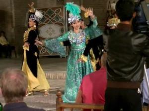 ウズベクダンス都内で教えます!!