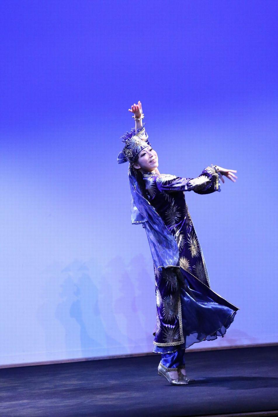 マブリギ3 ウズベキスタンダンス.JPG