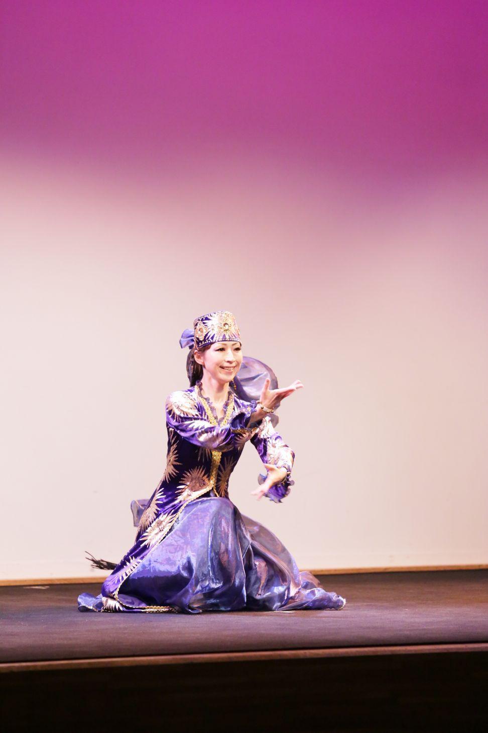 マブリギ5 ウズベキスタンダンス.JPG