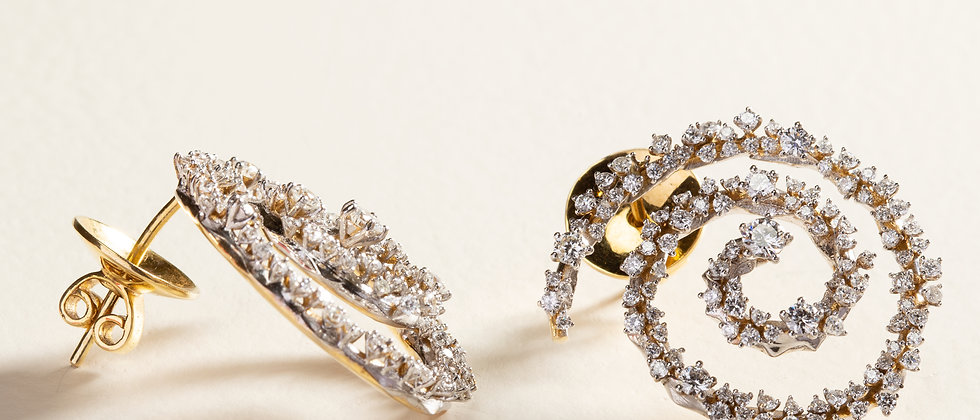 Milky Way Spiral Earrings in 18kt Gold set with Diamonds